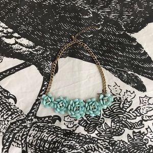 Forever 21 light blue floral necklace